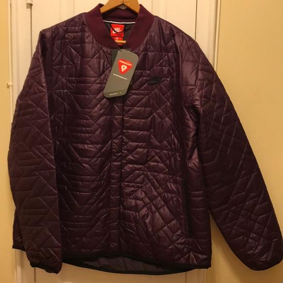 04492825decd NWT Nike Women s Puffer Jacket Maroon XL